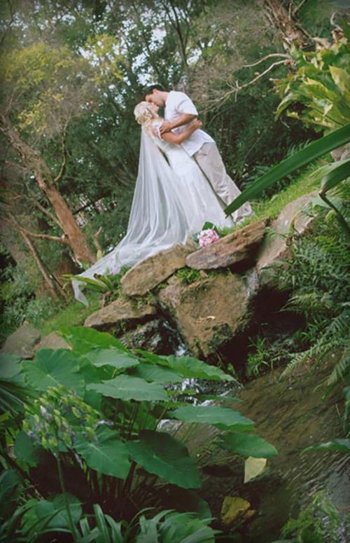 Vellos Bride, Amelia