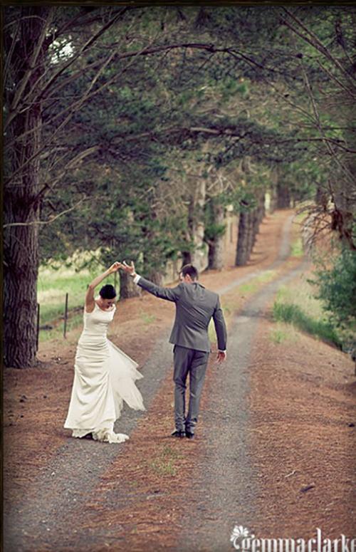 Vellos Bride, Chrissy