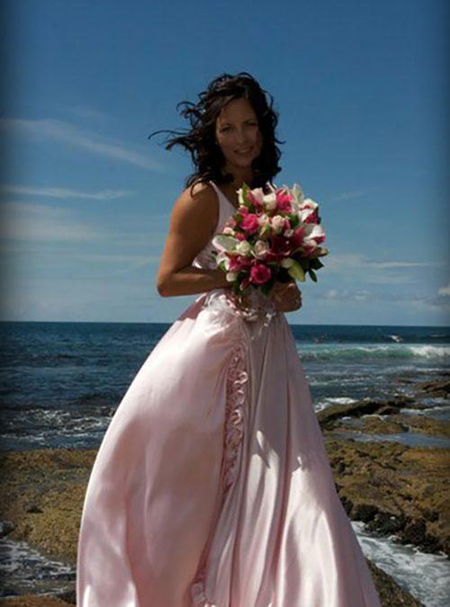 Vellos Bride, Theresa