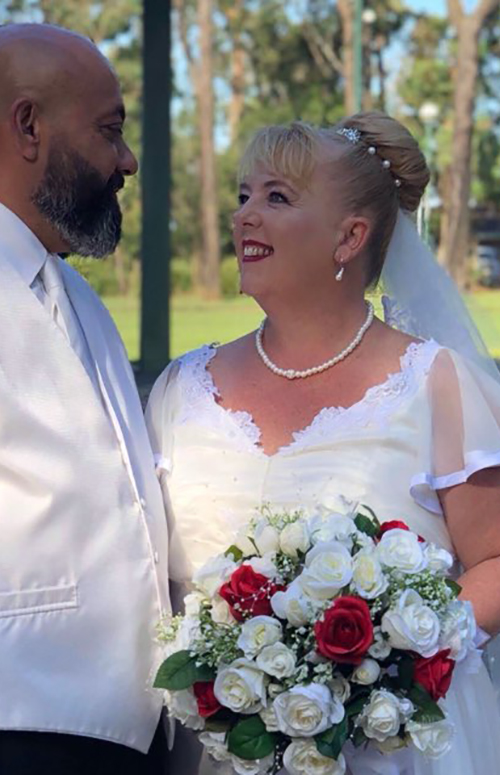 Vellos Bride, Leisha
